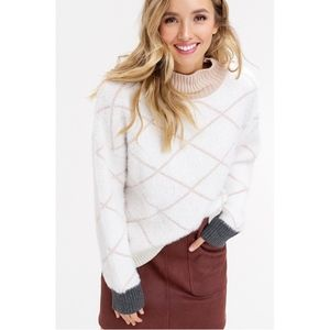 NWT! Super Soft, Cozy Pullover Sweater | ON SALE!